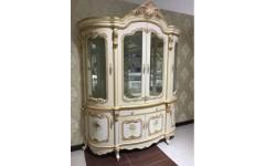Белая четырехдверная витрина с золотом Лайма, Аванти