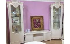 Классическая мебель в гостиную Коко Шанель