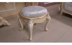 Пуфик в классический комплект мебели Ренессанс Энигма