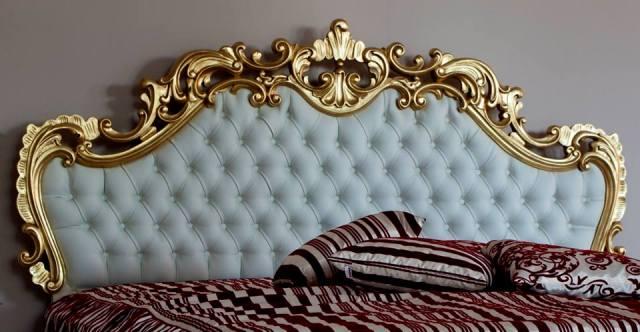 Кровать Cortigiana – основной элемент данной коллекции