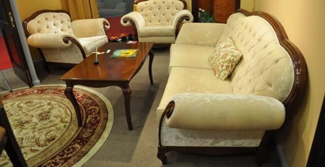 Купить диван и кресла в гостиную румынского производителя