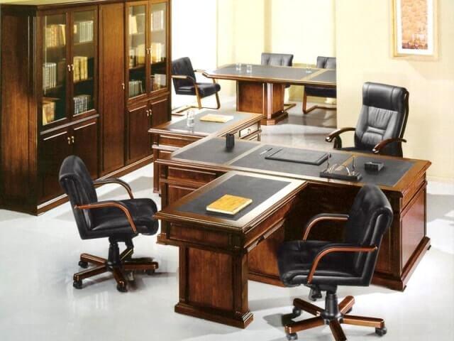 Хорошим мебельным рядом представлены кабинеты в нашем интернет-магазине. Библиотеки, письменные столы, мягкие кресла не только создадут тихий, спокойный уют, но и прекрасно будут сопутствовать плодотворной работе.